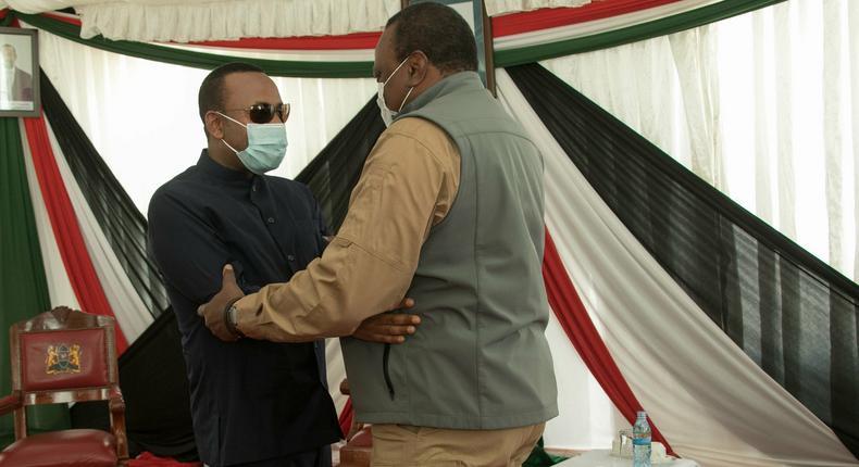 Uhuru receives Ethiopian Prime Minister Abiy Ahmed in Moyale (Photos)