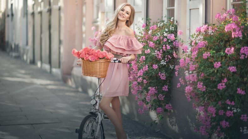 c26d753154 Prosta a zachwyca! Jaką sukienkę wybrać na wiosnę