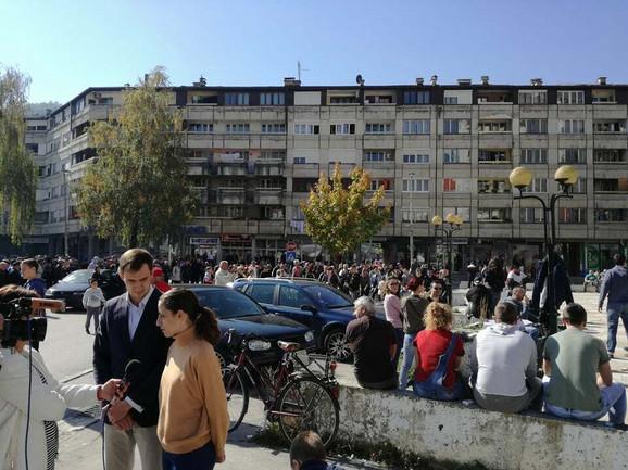 Na protestu u centgru grada se okupilo više stotina Pribojaca