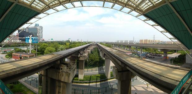 Szanghaj Transrapid - wjazd na stację