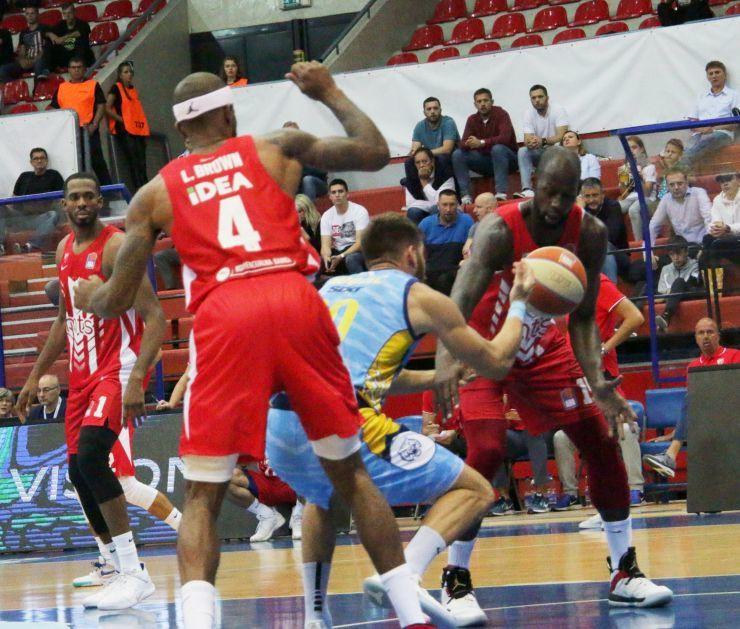 KK Crvena zvezda na meču sa Primorskom