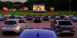 Moc atrakcji w kinie samochodowym! Warto wybrać się tam w weekend