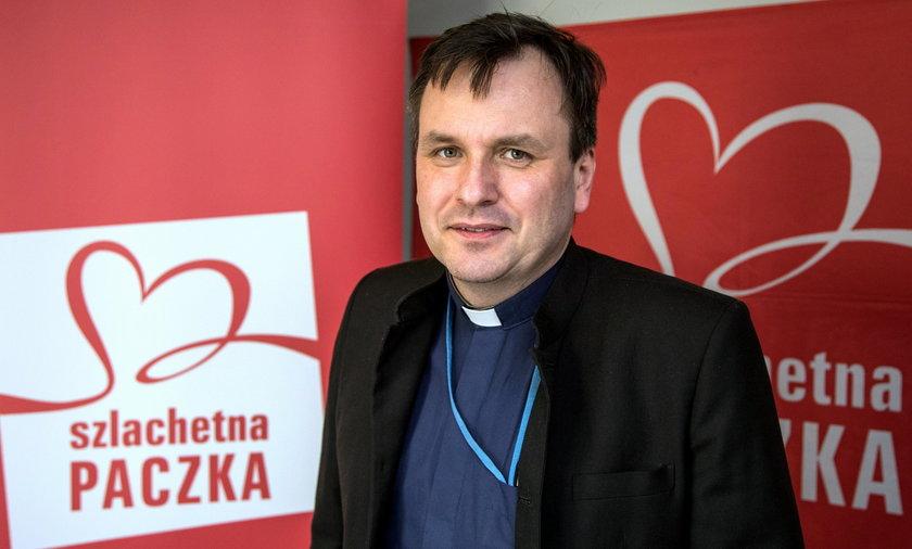 """Ks. Grzegorz Babiarz oficjalnie szefem """"Wiosny"""". Zablokował poprzednikom dostęp do kont"""