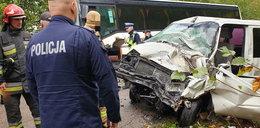 Tragiczny wypadek na Podlasiu. Autobus szkolny zderzył się z busem. Jedna osoba nie żyje