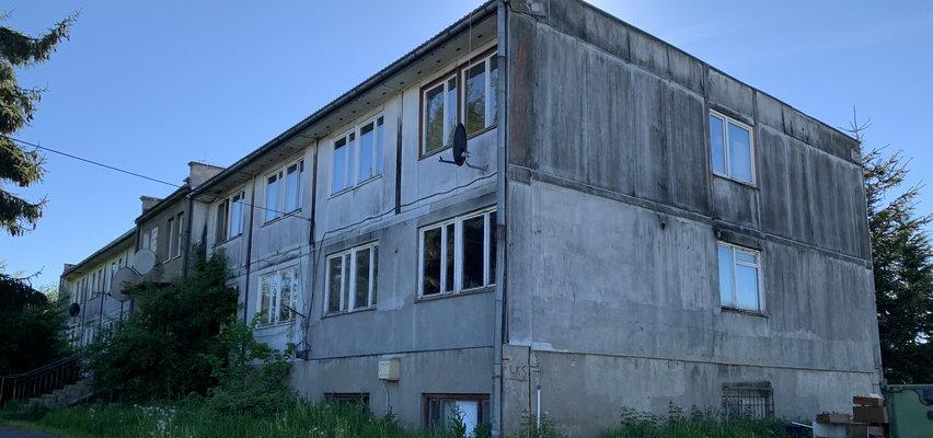 Zabójstwo w Lesku. 61-latek dźgnął nożem partnerkę, a potem przepraszał i opatrywał rany