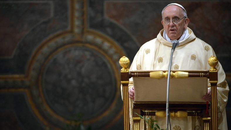 """Watykan broni nowo wybranego papieża. """"To kalumnie"""""""