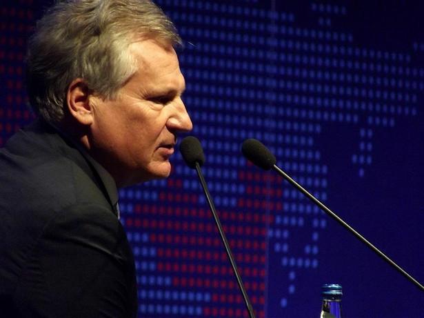 Aleksander Kwaśniewski dodaje, że aby przywrócić powagę instytucji referendum, jedynym tematem jest wejście Polski do strefy euro