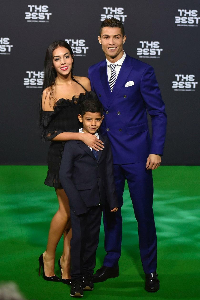 Ronaldo jechał z dziewczyną... poczuł potworny ból