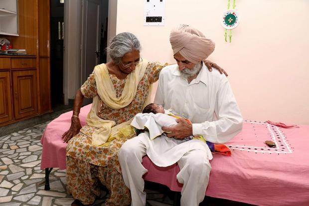 U osmoj deceniji su dobili svoje  prvo dete putem vantelesne oplodnje