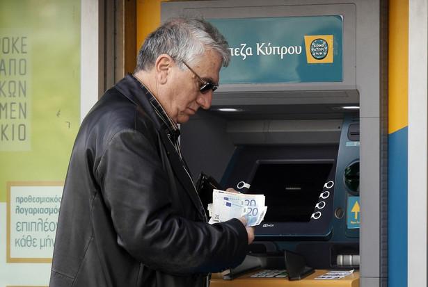 Wczoraj po 12 dniach otwarto zamknięte banki na Cyprze.