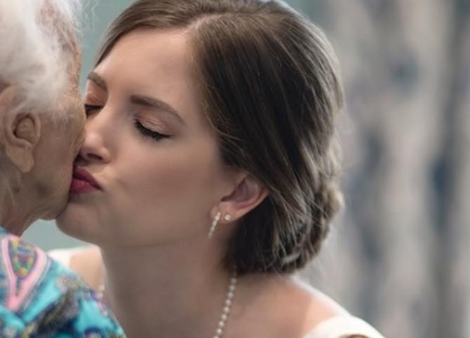 Poljubac za baku