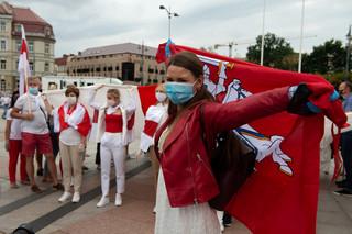 """""""Żywy łańcuch"""". Około 50 tys. Litwinów wzięło udział w akcji solidarności z Białorusią"""