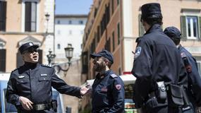 Chińscy policjanci patrolują miasta we Włoszech
