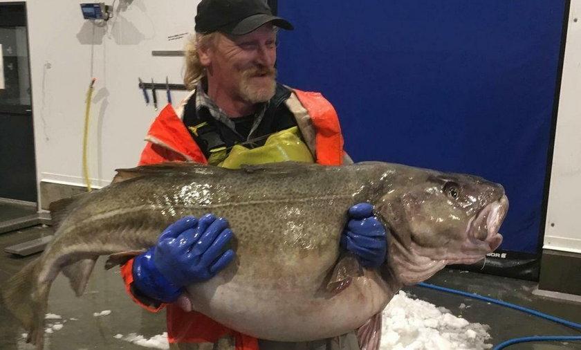 Złowił rybę giganta. To rekord!