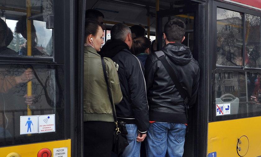 Tłok i ścisk w autobusach na Mogilskiej