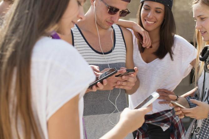 Mladi ne mogu bez njih, a evo kako društvene mreže utiču na mladu populaciju