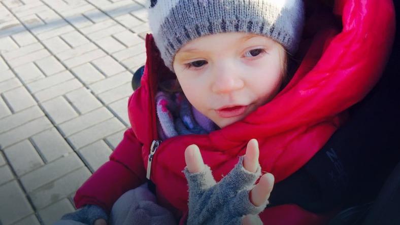 2-letnia cierpi na złośliwy nowotwór oka