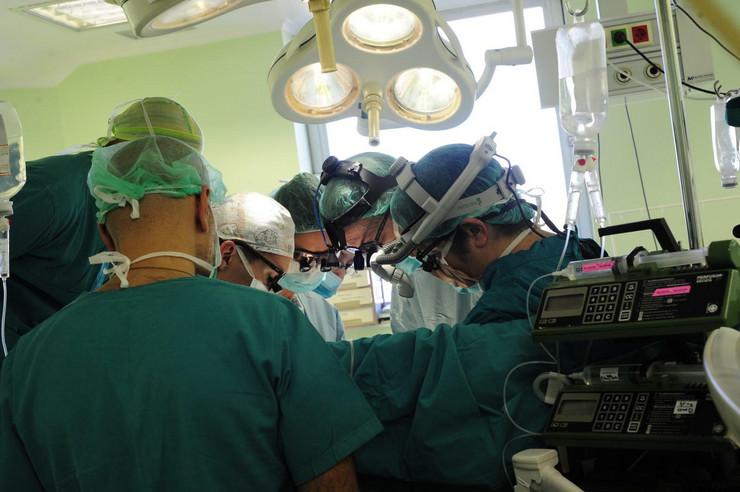 Institut majka i dete, operacija na otvorenom srcu, dr Mila Stajević i dr Igor Šehić