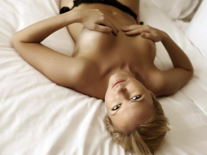 Italijanski seksolog tvrdi: Oblik grudi otkriva seksualni karakter žene