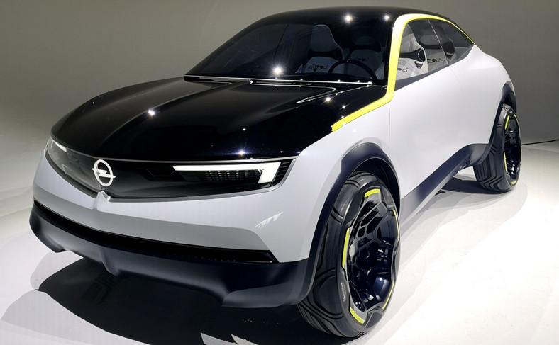 Opel GT X Experimental jest czymś więcej niż tylko kolejnym samochodem koncepcyjnym. Ten 5-drzwiowy SUV o sylwetce coupe pozwala zorientować się, jakich modeli należy spodziewać się po producencie z Russelsheim w latach 20. bieżącego stulecia