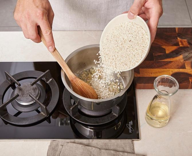 Ako muku mučite sa kuvanjem pirinča, ovo je recept koji nikad ne omane