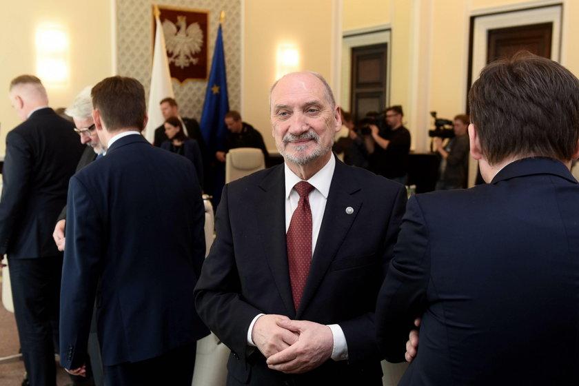 Skarbówka nie kontrolowała spółek byłego wiceministra obrony narodowej PiS?