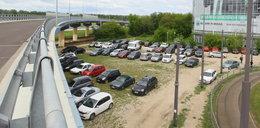 Służewiec się rozrasta, a parkingów nie będzie