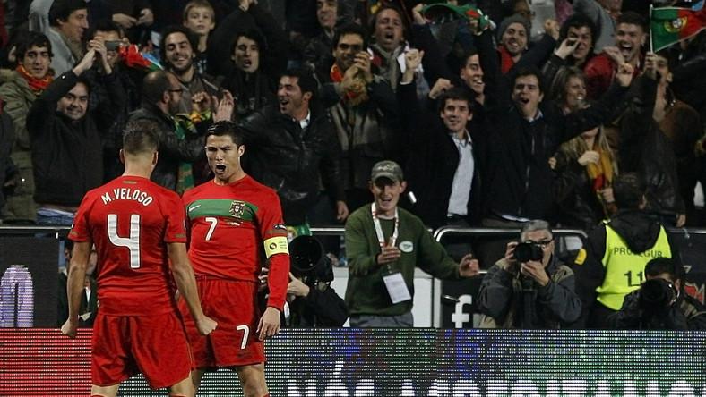 Ronaldo (z prawej) i spółka zagrają na Euro 2012