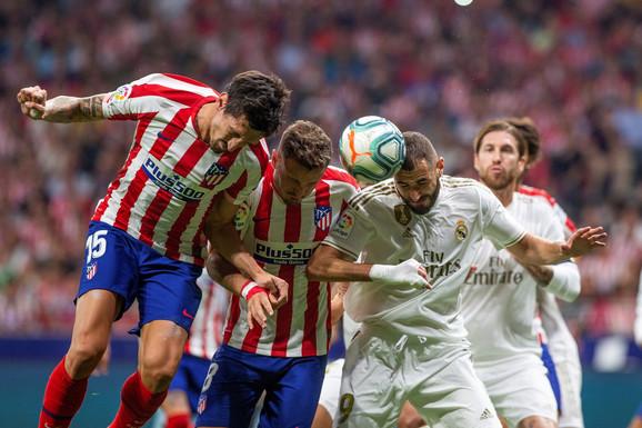 Fudbaleri su pljačkani i tokom velikog gradskog derbija