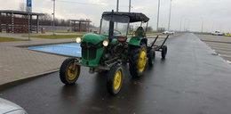 Jechał traktorem autostradą