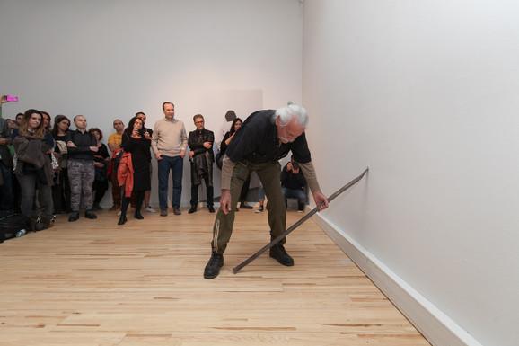Ilija Šoškić sinoć na otvaranju svoje retrospektive u Muzeju savremene umetnosti Vojvodine u Novom Sadu