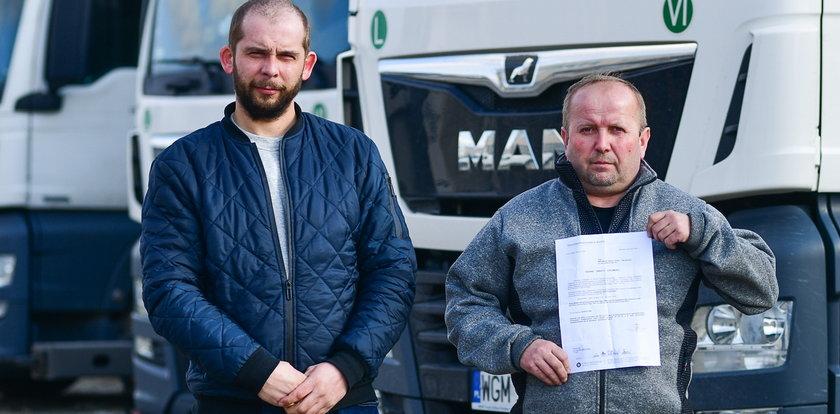 Zawodowi kierowcy stracili prawa jazdy. Posądzono ich o wręczenie łapówek