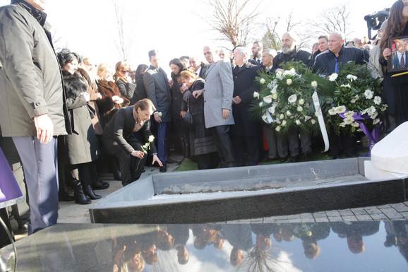 Ana Brnabić na sahrani Olivera Ivanovića