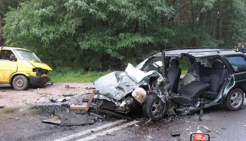 Z forda zostały strzępy. 5 osób rannych. FOTO