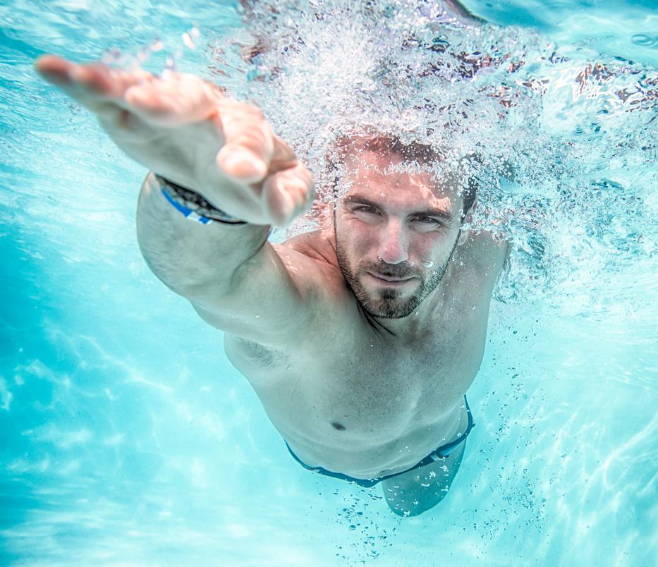 úszás a medencében magas vérnyomásban)
