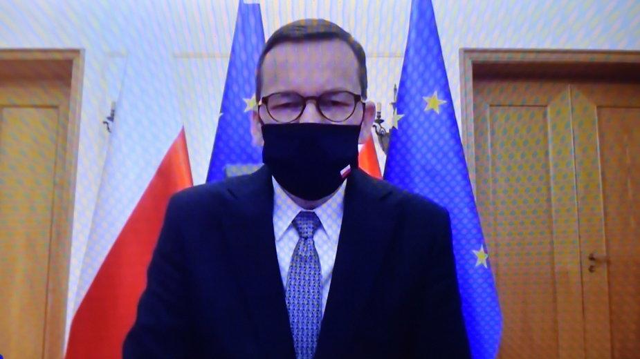 Premier Morawiecki postanowił zdementować fake newsa