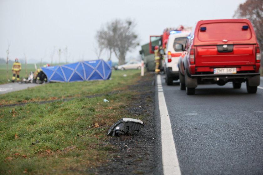 Tragedia w Sarbinowie. Nie żyje jedna osoba, kilka jest rannych