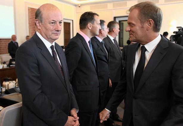 Donald Tusk i Jan Vincent Rostowski podczas posiedzenia rządu