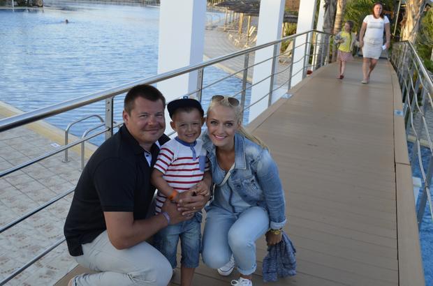 Aida Bella z mężem i synem
