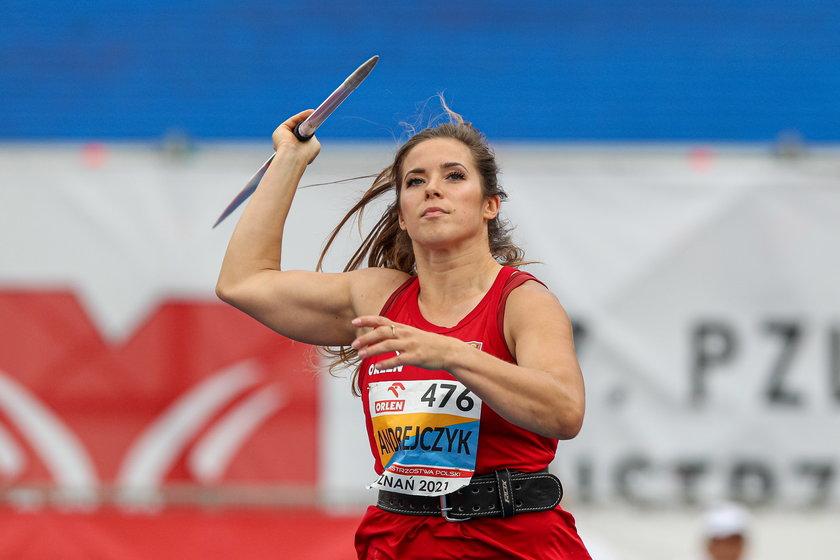 Maria Andrejczyk.