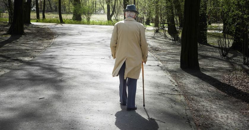 UOKiK zachęca seniorów, by w razie wątpliwości, zwracali się o pomoc do rzecznika konsumentów w swojej okolicy