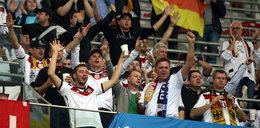 Nawet 5 lat więzienia dla Niemców za zdemolowanie toalet na meczu z Polską!