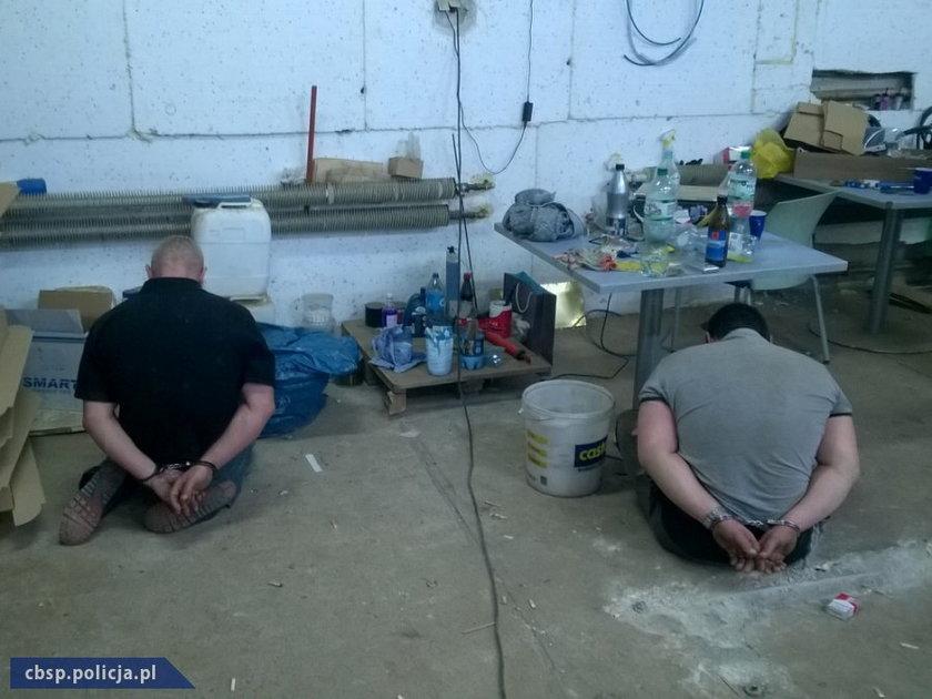 Policja robiła nielegalną fabrykę papierosów