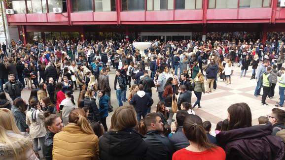 Okupio se veliki broj akademaca