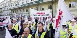 Górnicy walczą o odprawy