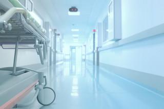 Marszałkowie województw: Epidemia jest jak wojna, a szpitale zostały bez broni i amunicji, a nawet bez munduru