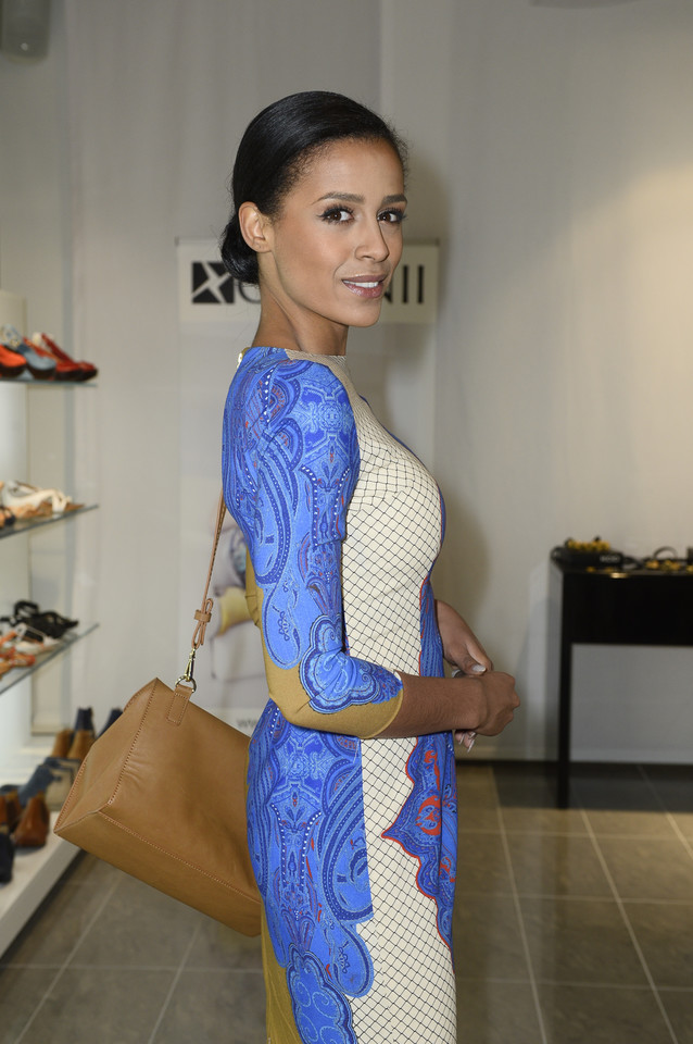Piękna Aleksandra Szwed na otwarciu butiku - Kobieta