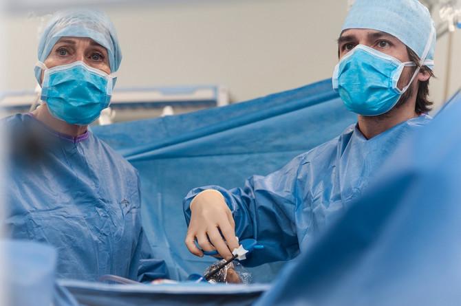 U Indiji odstranjen tumor jajnika rekordne težine