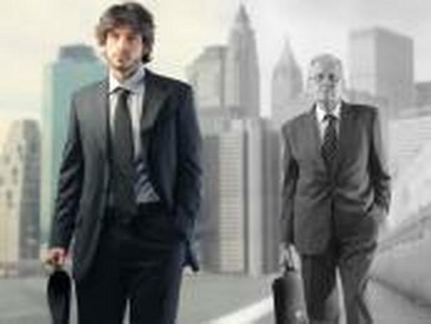 Transformacja tradycyjnych przedsiębiorstw w nowoczesne korporacje zabija klasę średnią.