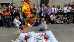 7 unusual cultures around the world/El Colacho Baby Jumping. [amusingplanet]